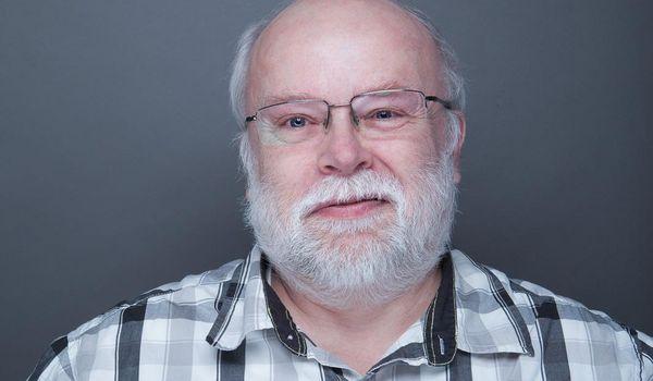 Porträt von Herrn Dr. Lutz Peuckert