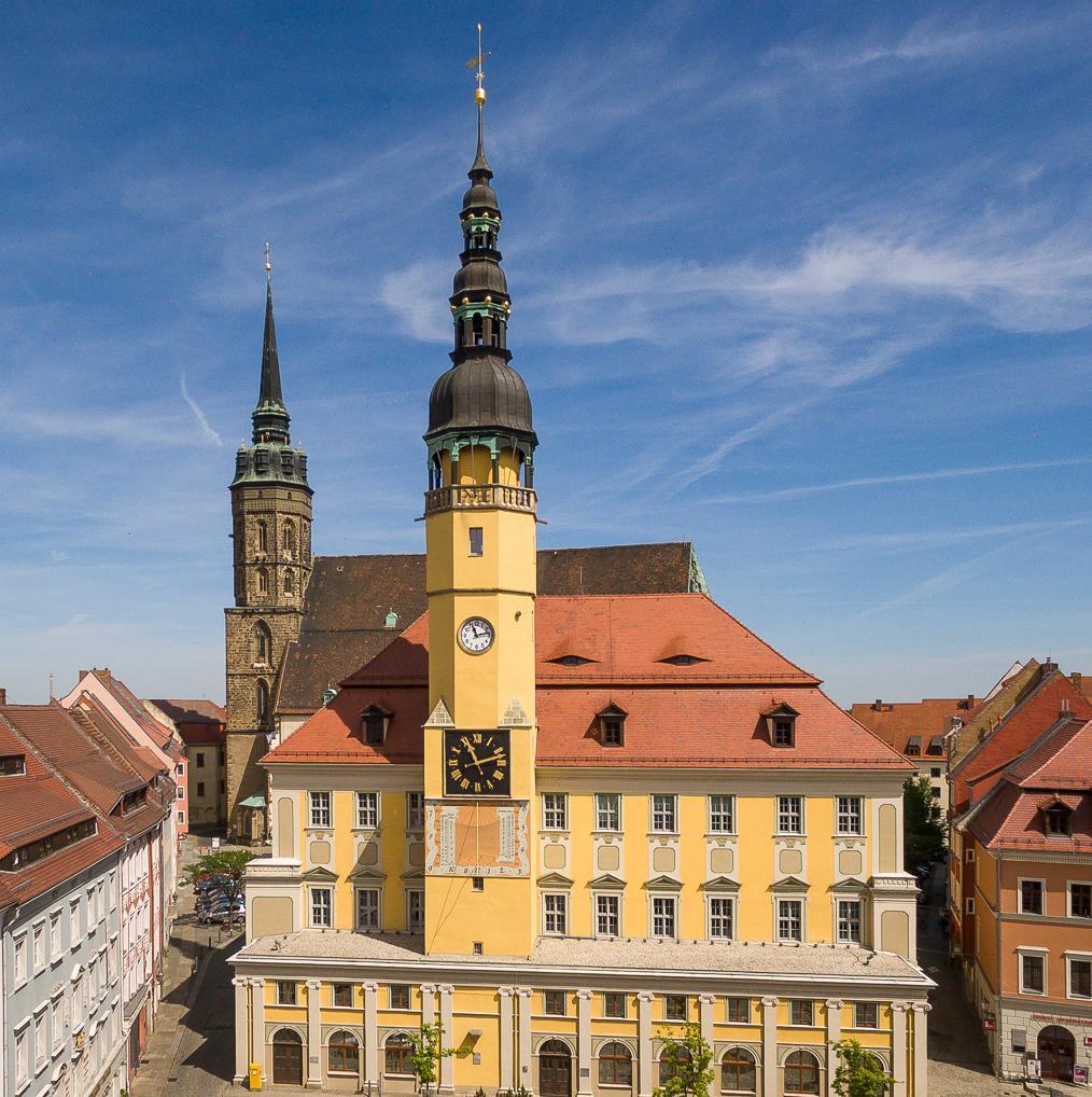 Rathaus Bautzen mit Dom St. Petri