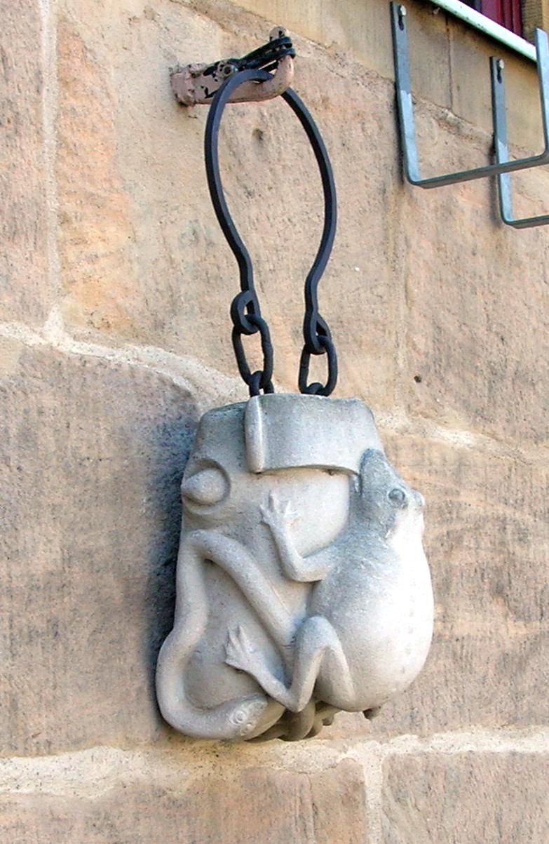 Spätmittelalterlicher Schandstein; sogenannter Krötenstein